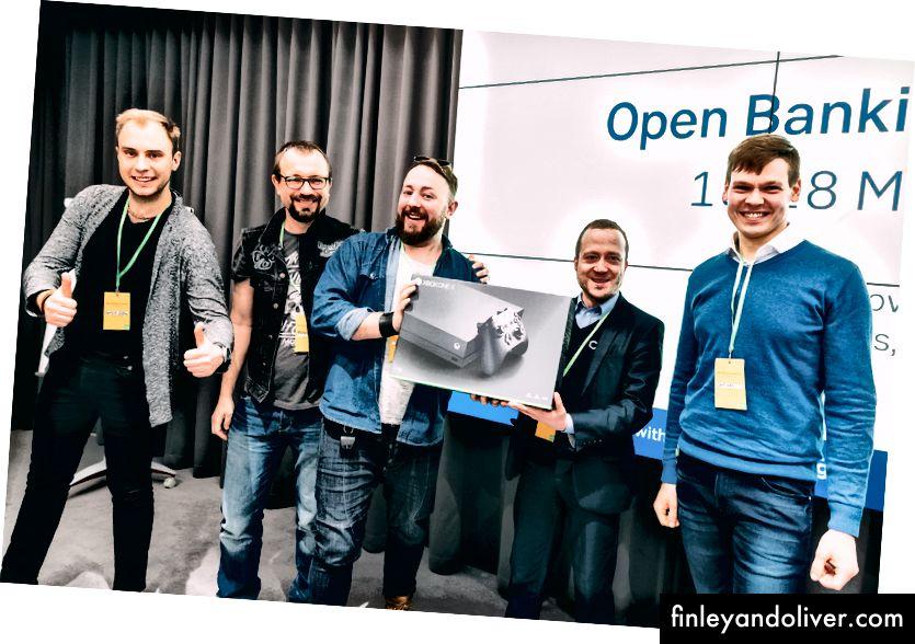 Nhóm Hackathon ORCA nhận giải thưởng Giải pháp ngân hàng mở tốt nhất