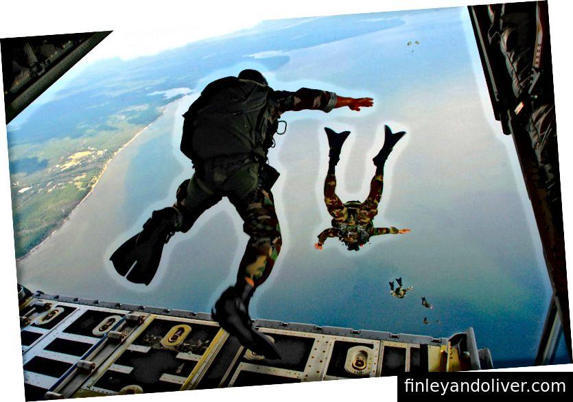 Φωτογραφία της Πολεμικής Αεροπορίας των ΗΠΑ από τον Senior Airman Julianne Showalter