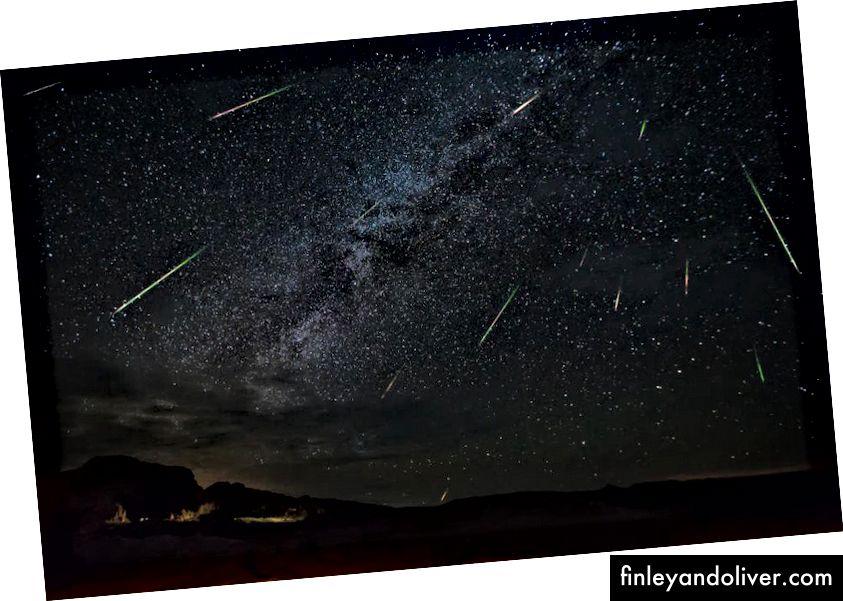 Jason Weingart chụp các thiên thạch của Mưa sao băng Perseid khi chúng phóng qua bầu trời đêm, vào ngày 14 tháng 8 năm 2016 tại T Muffua, Texas. (Jason Weingart / Barcroft Images / Barcroft Media qua Getty Images)