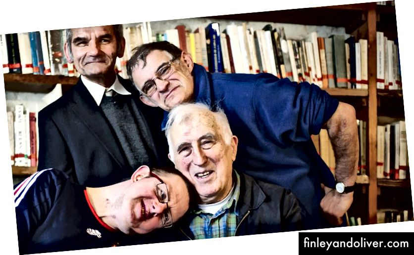 Avdøde Jean Vanier og venner, fra nettstedet hans.