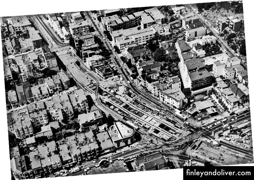 5 вересня 1974 р .; погляди в обидва боки, зроблені вертольотом поліції