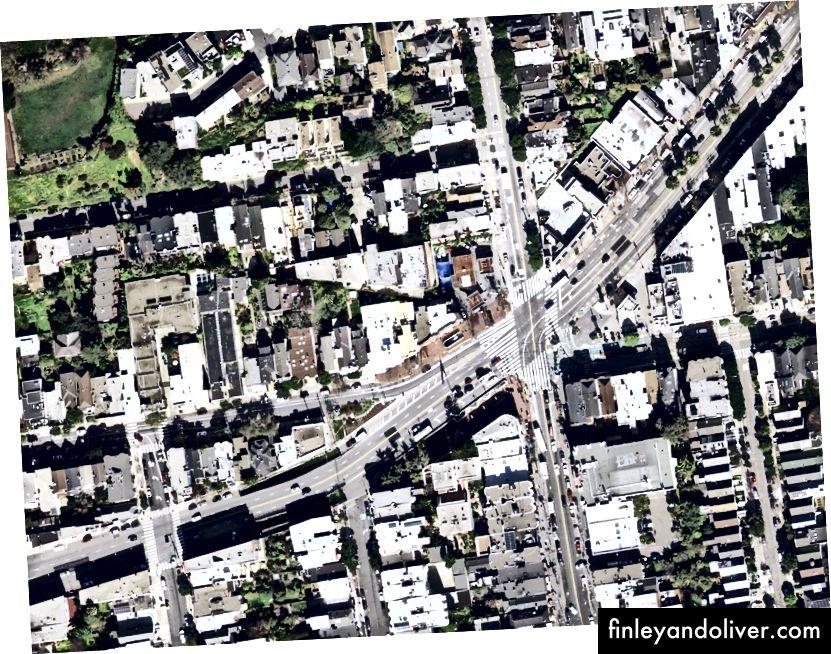 Ảnh chụp từ trên không của khu vực từ năm 1938 (Bộ sưu tập bản đồ David Rumsey) và ảnh vệ tinh năm 2018 (xem trên Chế độ xem phố)