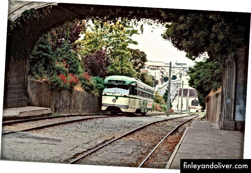 Зупинка Парку Долорес 19-ї вулиці в червні 1971 року. (Фото люб'язно надав Крістофер Циррініоне)