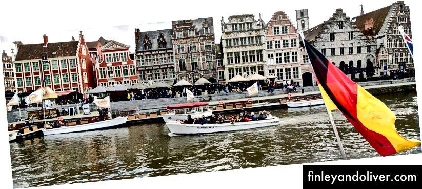 Канал у Бельгії, коли махає прапор країн.