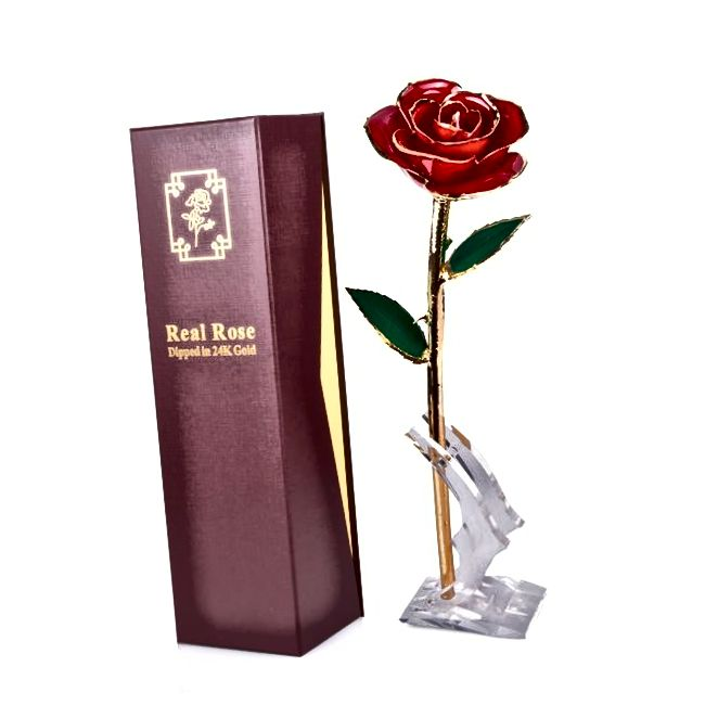 Zelta tuvās rozes pirmās jubilejas dāvanas sievai