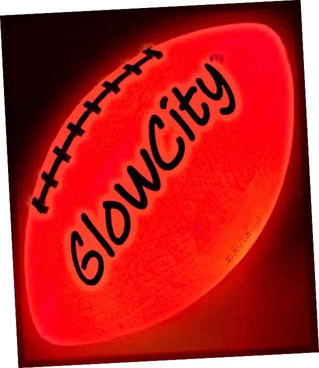 LED svjetlo upaljeno u nogometu-teško-bolje od sjaja u mraku