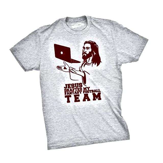 Isus je nacrtao smiješnu majicu moje nogometne reprezentacije