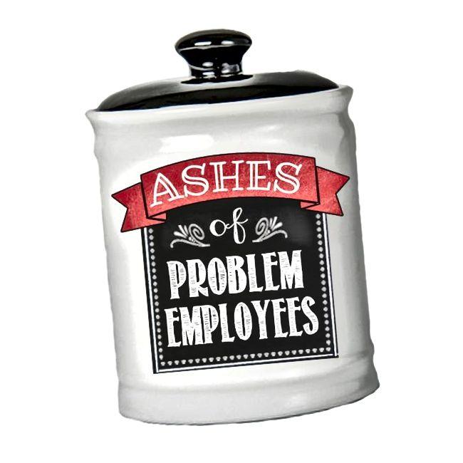 Pepeo od pepela problematičnih zaposlenika Jar