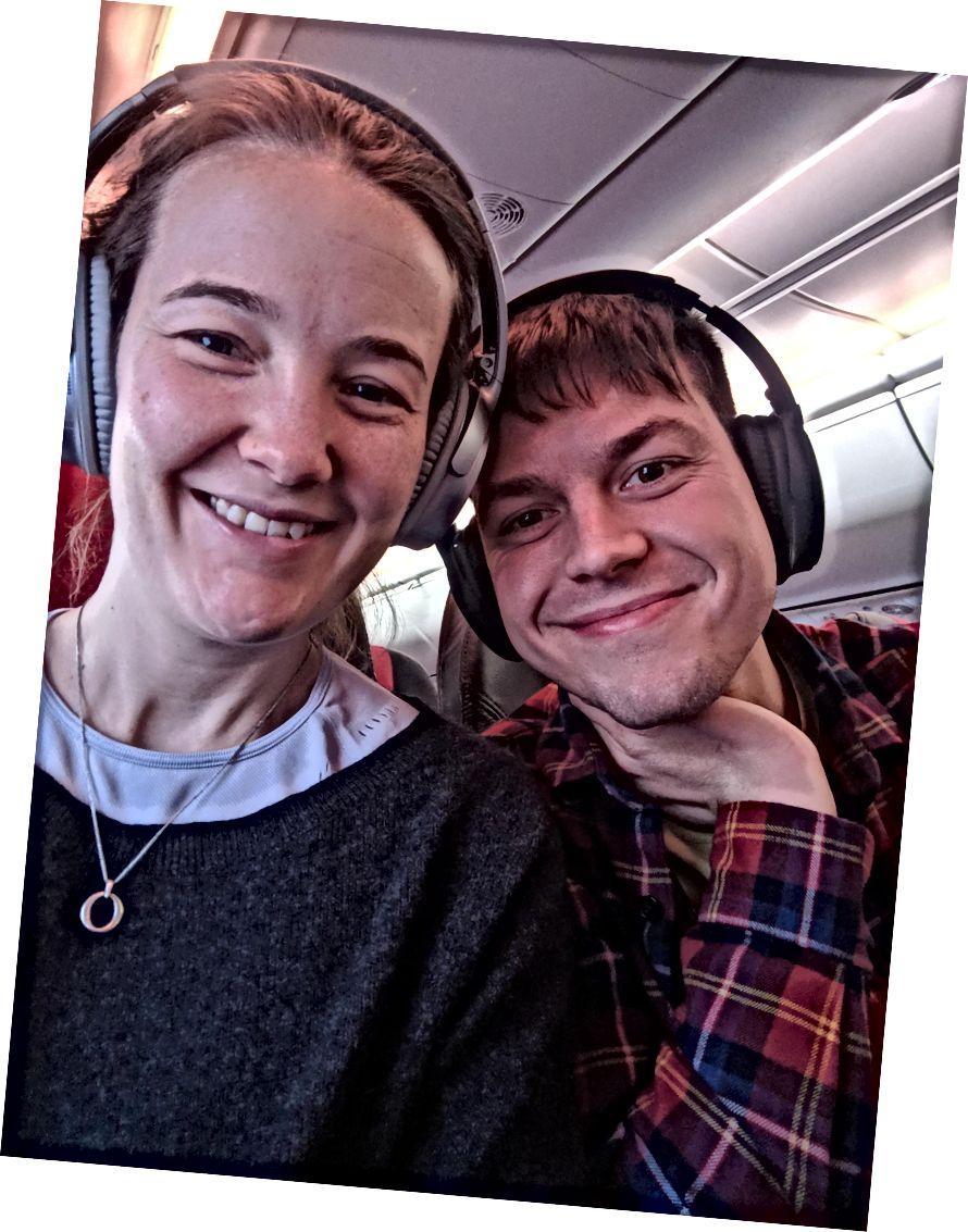 على متن إحدى الرحلات الجوية العديدة التي قمنا بها