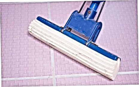Curăță podele de vinil