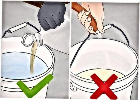 Безопасна работа с киселина