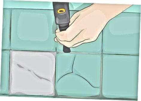 Премахване на напукани или повредени плочки
