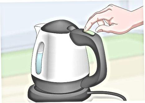 Använda en vattenkokare