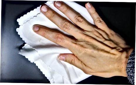 Премахване на твърди петна със сапун за миене на съдове