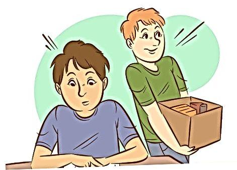 Se ocupă de băieți ca profesor
