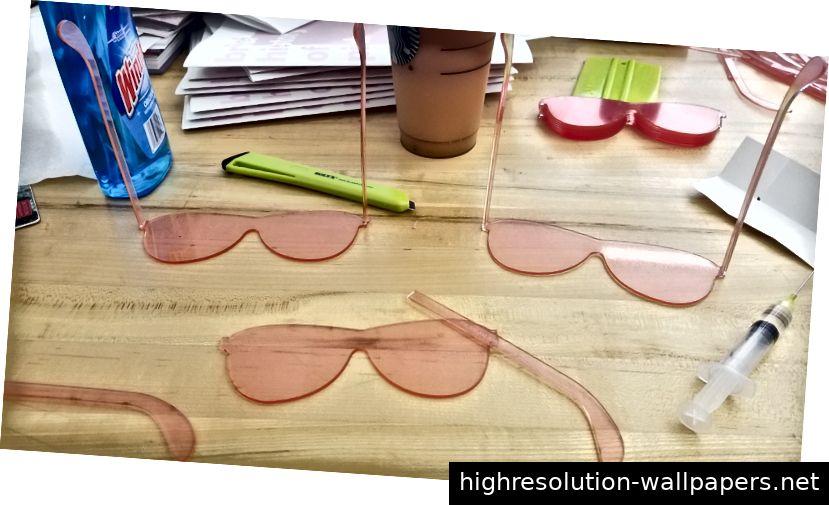 Josies Pink Glasses-Prozess