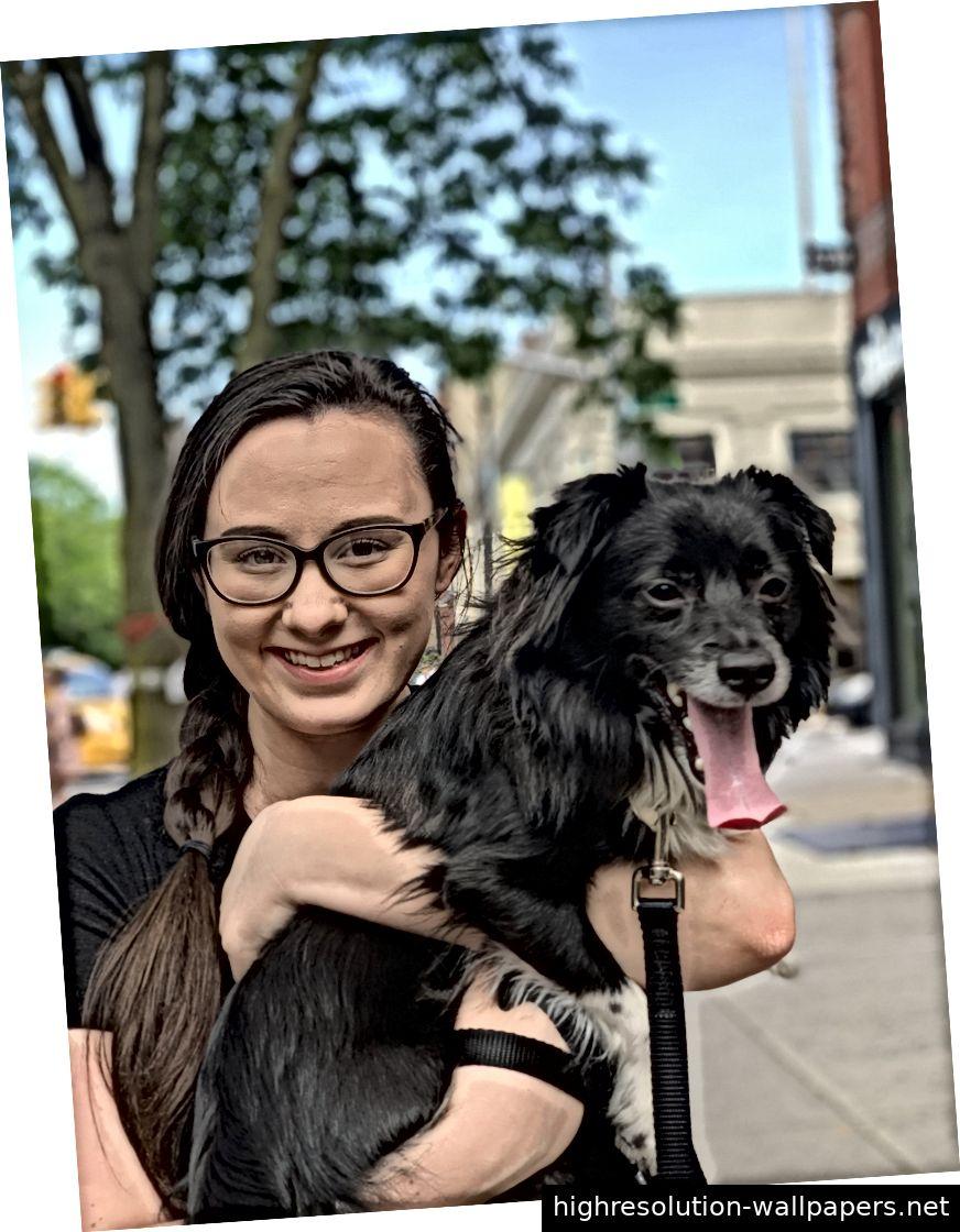 Meine Frau, unser süßer Hund und die Ruckkantenerkennung im Porträtmodus.