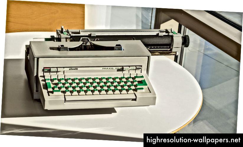 Olivetti Praxis 48 skrivemaskine