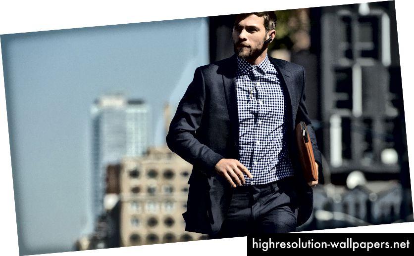 Ikke Chris Hemsworth. Og bærer han en lanyard? (kilde)