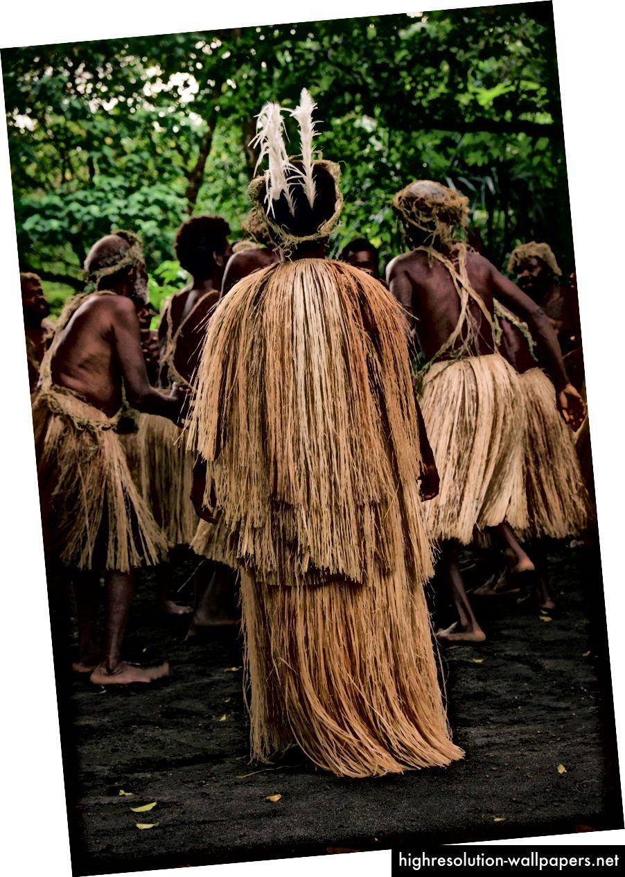 Lav de to - traditionelle dansere, Tanna Island, Vanuatu.
