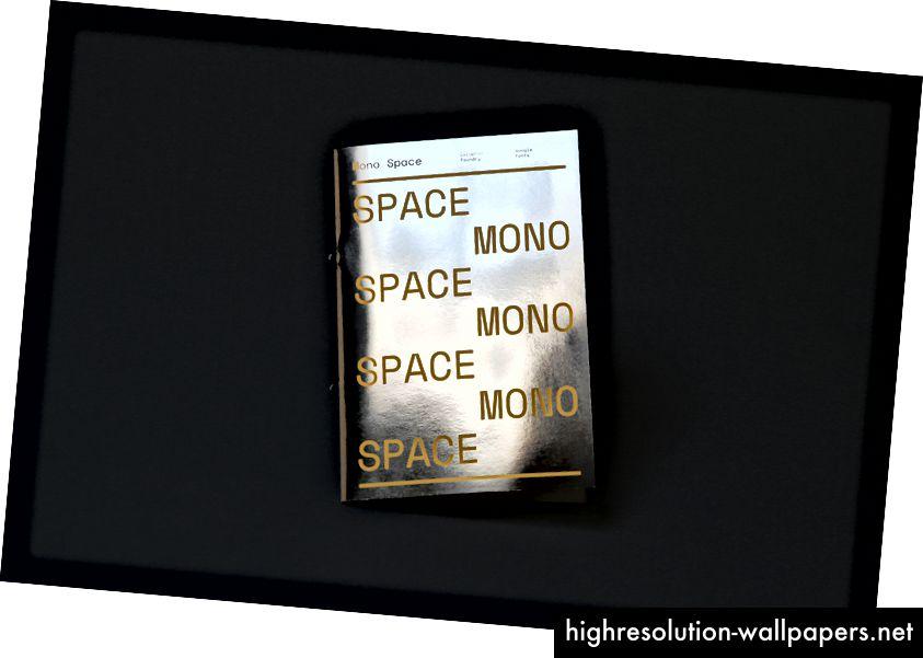 Mono Space, Space Mono-eksemplaromslag, udgivet af Google, Inc., 2016.