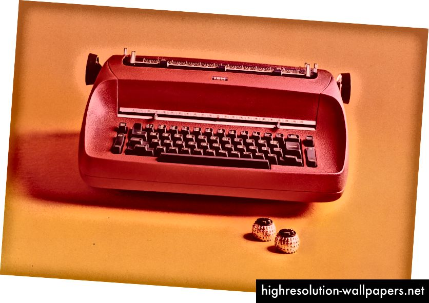 IBM Selectric-skrivemaskine var teknologisk milepæl ikke kun for de flere fontvalg, der var til rådighed (se kuglerne af typen), men også på grund af maskinens