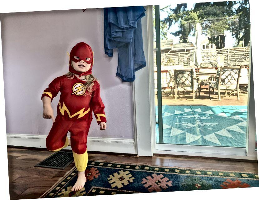 Min kiddo som The Flash i morse