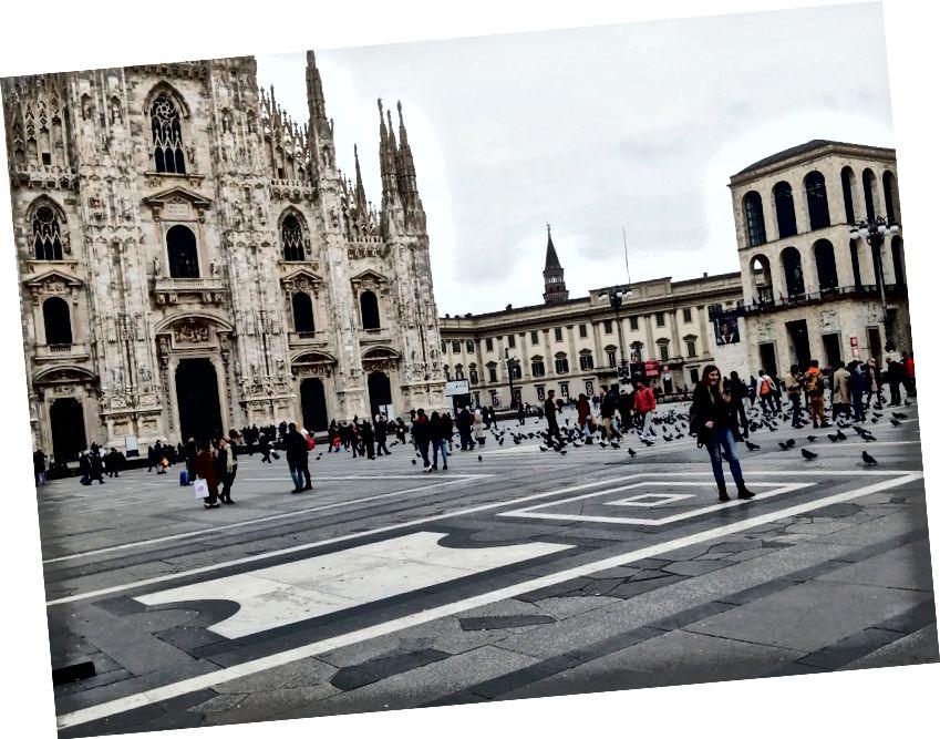 Milanon keskusta - yleensä Piazza Duomo on tungosta