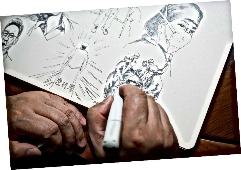 میرے والد فرنٹ لائن پر ڈاکٹروں کے اعزاز میں خاکے بناتے ہوئے