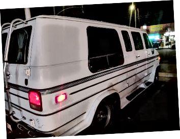 La vieja furgoneta de California. Descansa en pedazos, '91 Vandura