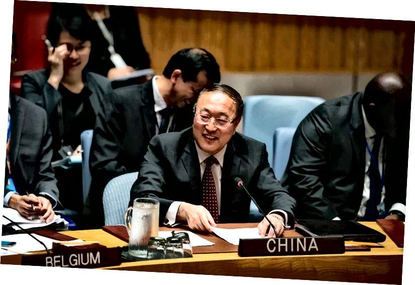 Zhang Jun, az Egyesült Nemzetek Szervezetének Kínai megbízottja, a Biztonsági Tanácsban, 2019. szeptember 17-én. Zhang kevesebb mint egy éve van a poszton, és márciusban elnököt tölt a Tanácsnak, csakúgy, mint a világ a koronavírusból. kitörés. ARIANA LINDQUIST / UN FOTÓ