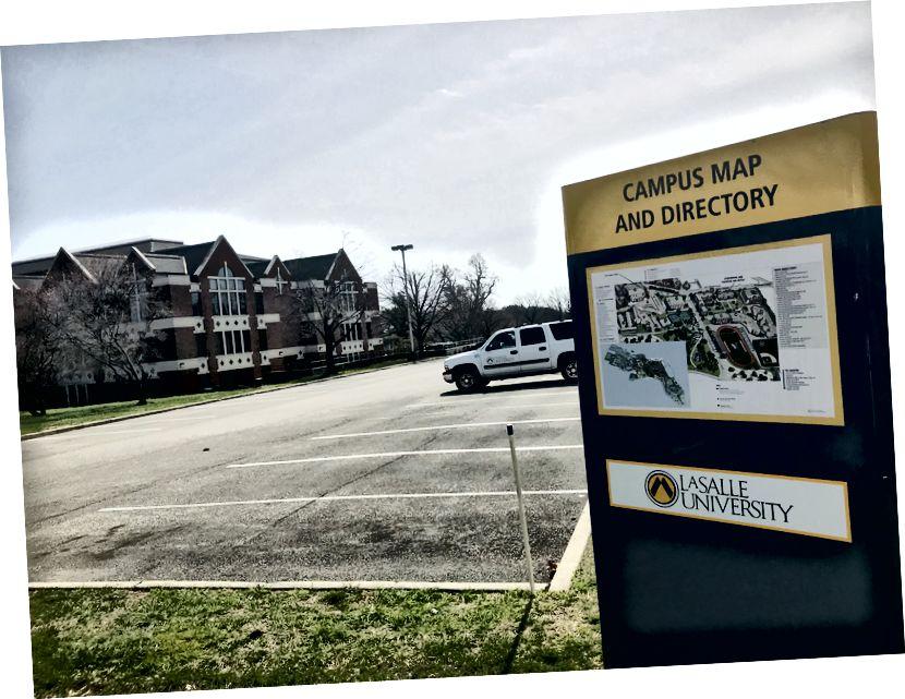 En tom parkeringsplats vid LaSalle universitet. LaSalle är ett av de många universiteten i Philadelphia som har stängt sina dörrar på grund av hotet om Covid-19. Universitetsbostäder på campus stängs officiellt 4 april. / Letrell Crittenden