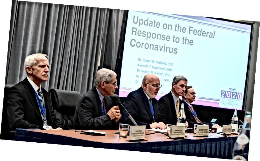 Az amerikai ügynökségek vezetői, például a Betegségek Ellenőrzési Központja, a Nemzetbiztonsági Minisztérium és az Országos Egészségügyi Intézet válaszolnak a koronavírussal és a kitörés visszaszorítására tett erőfeszítésekkel kapcsolatos kérdésekre. 2020. február 9. (fénykép: HHS Sec. Alex Azar, Twitter)