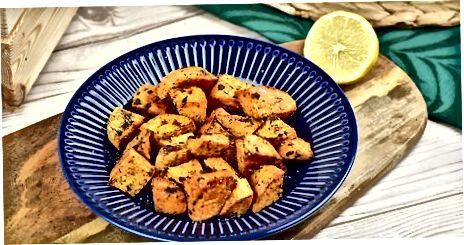 Pečené nakrájené sladké brambory