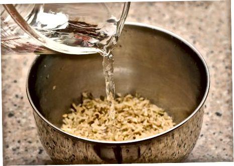Skalavimo ir mirkymo rudieji basmati ryžiai