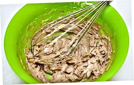 Fazendo um Bolo de Camada Crocante de Arroz