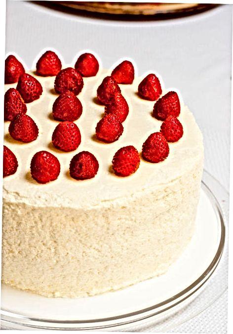 ビーガンストロベリーケーキ