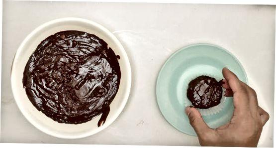 შავი და თეთრი Cupcakes- ის საცხობი