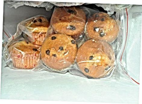 Vendosja e muffins në frigorifer