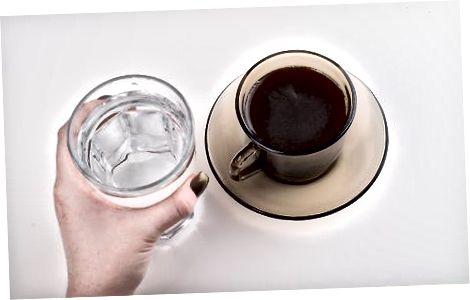 喝希腊咖啡