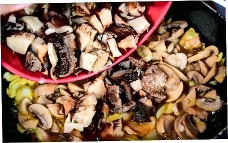 De champignons bakken