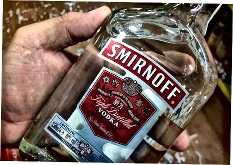 Emmagatzemar vodka obert