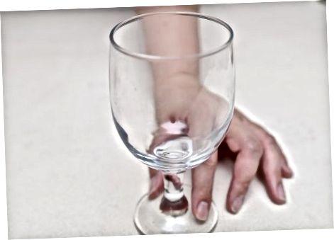 Používanie pohára na víno