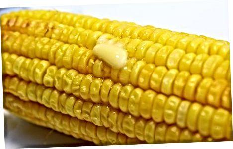 Сервирање вашег печеног кукуруза