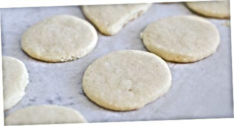 Leivonnaiset sokeri evästeet