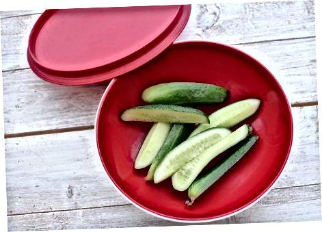 Солоні огірки за 5 хвилин