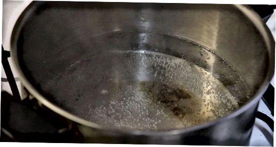 Frische oder gefrorene Erbsen dämpfen