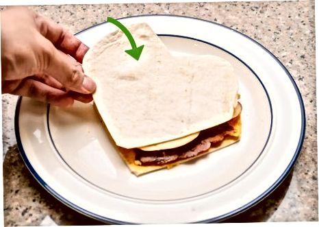 Fazendo Quesadillas de Bacon e Queijo