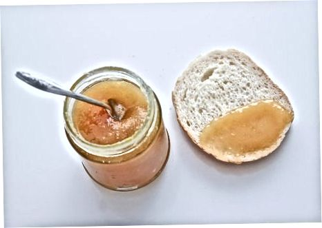 Mit kristallisiertem Honig