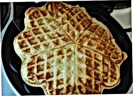 Vafli uchun pancake aralashmasini aylantirish